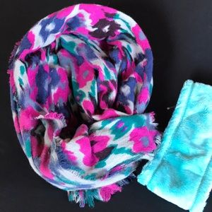 American Eagle Outfitters Accessories - American Eagle Outfitters watercolor Scarf